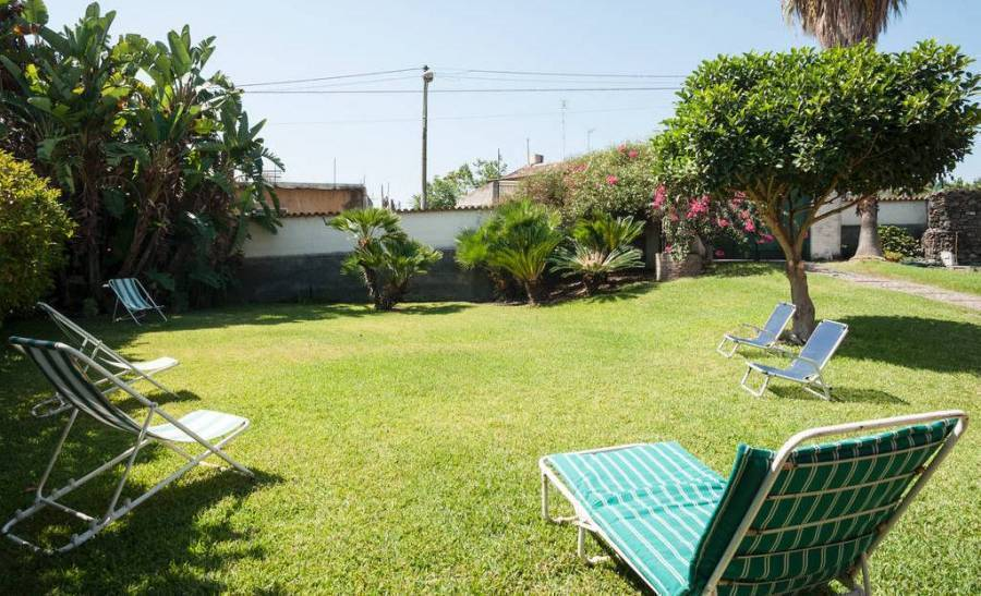 Bed And Breakfast  La Casa Del Ficus, Acireale, Italy, secure reservations in Acireale