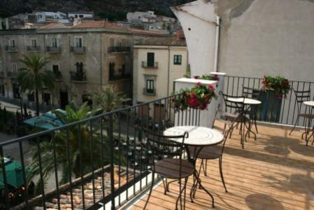 Bed and Breakfast Palazzo Villelmi, Cefalu, Italy, Italy hotels en hostels
