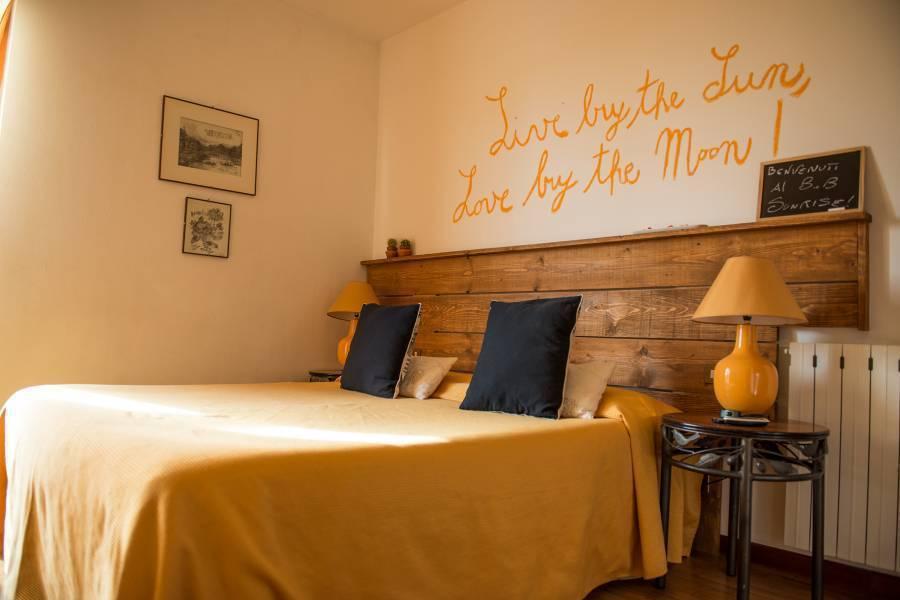 Bed and Breakfast Sunrise, Massarosa, Italy, Italy hotels and hostels
