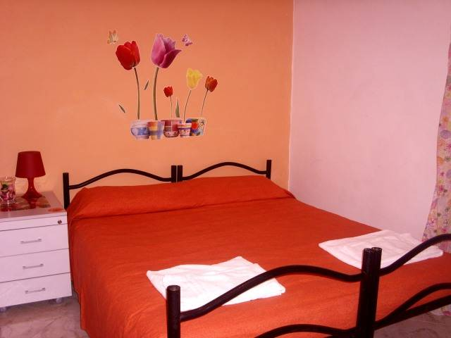Bed Breakfast Roma In Art, Rome, Italy, budget hotels in Rome