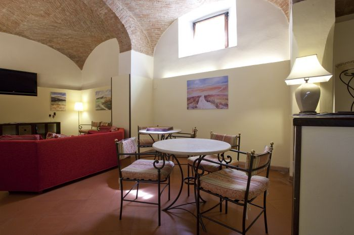 Borgo Antico, Siena, Italy, affordable motels, motor inns, guesthouses, and lodging in Siena
