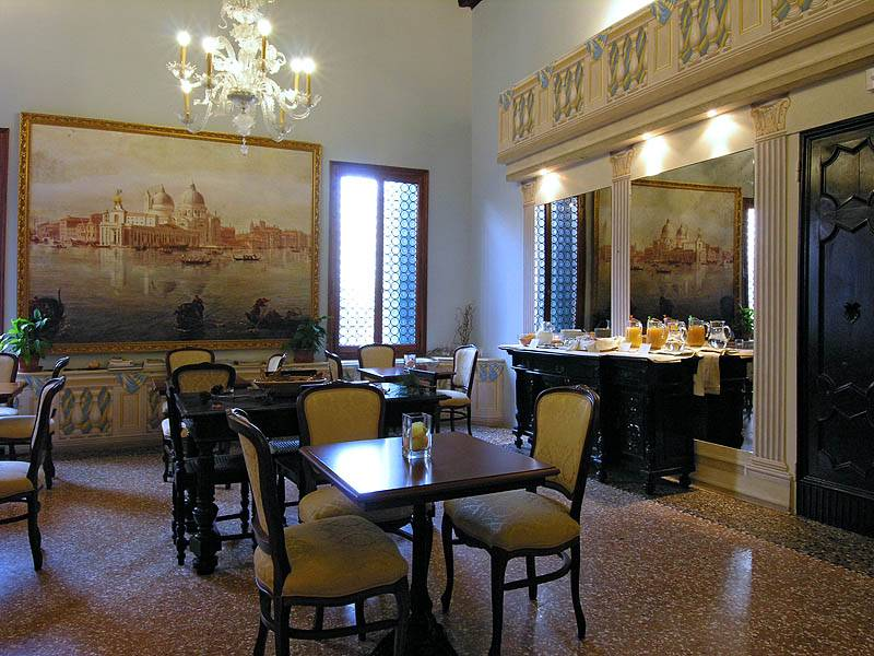 Ca' Centopietre, Venice, Italy, hotels with free breakfast in Venice