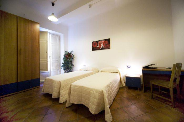 Cicerone Guesthouse, Florence, Italy, lowest prices and hotel reviews in Florence