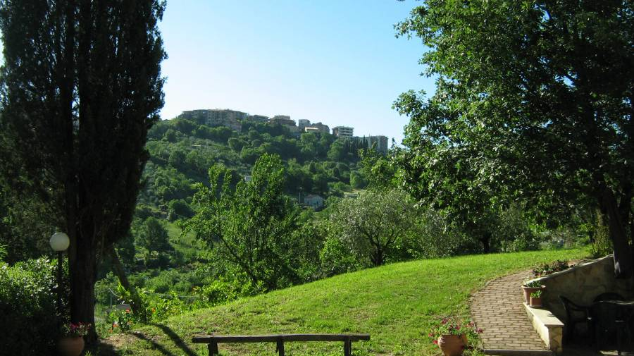 Country House Villa Pietro Romano, Castel Madama, Italy, find beds and accommodation in Castel Madama