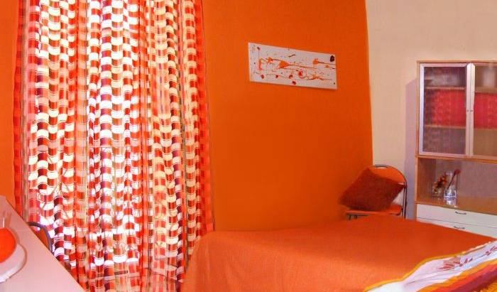 Barletta Orange - Search available rooms for hotel and hostel reservations in Barletta 2 photos