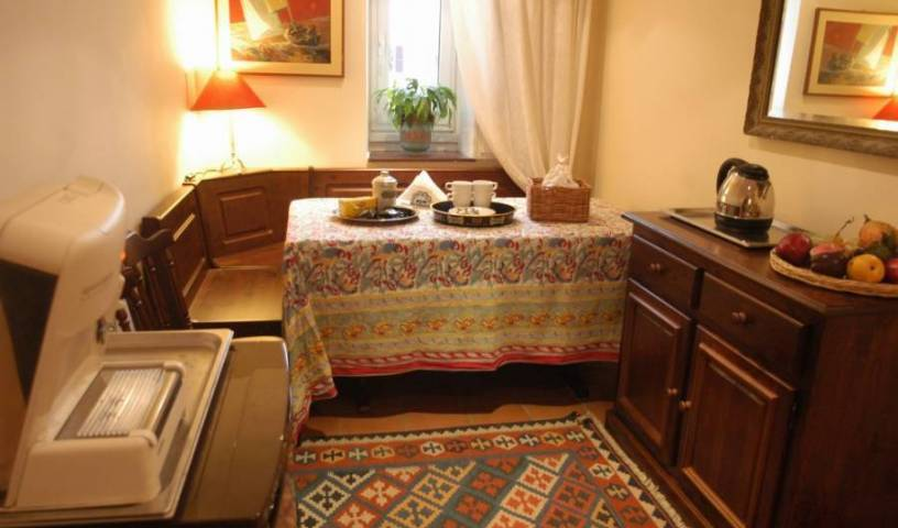 Bed And Breakfast A Casa Di Lia - Get low hotel rates and check availability in Rome 3 photos