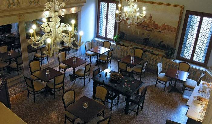 Ca' Centopietre - Search available rooms for hotel and hostel reservations in Venice 15 photos
