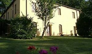 Ecoturismo La Casa Gialla - Search available rooms for hotel and hostel reservations in Siena 4 photos