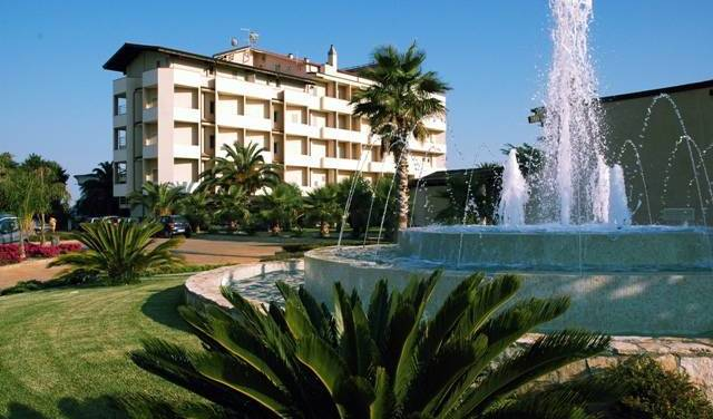 Grand Hotel President - Search for free rooms and guaranteed low rates in Siderno Marina, cheap hotels 7 photos
