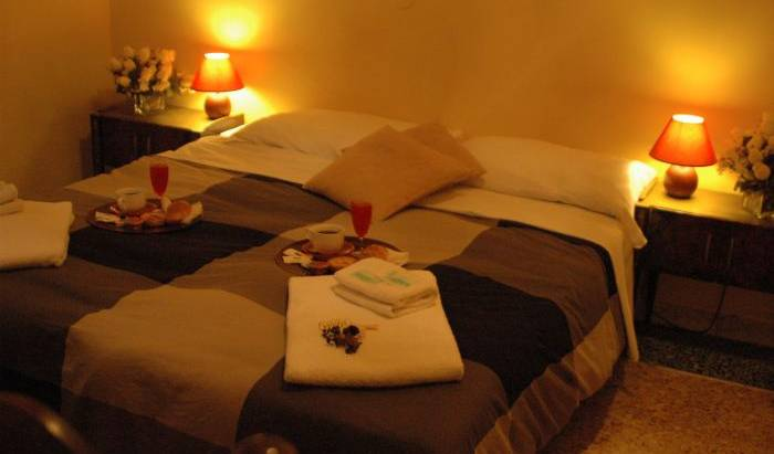 Hostel Campo de'Fiori - Search for free rooms and guaranteed low rates in Rome, IT 1 photo