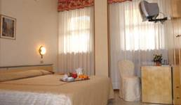 Hotel Cristallo - Get low hotel rates and check availability in Brescia 5 photos