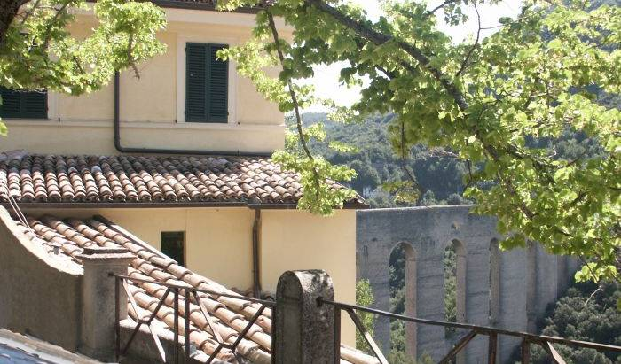 Hotel Gattapone Spoleto - Get low hotel rates and check availability in Spoleto, cheap hotels 16 photos