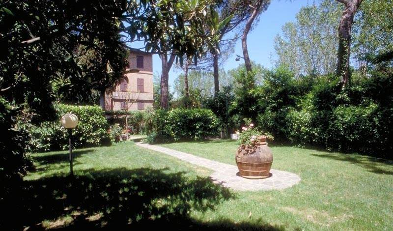 Hotel Moderno - Search available rooms for hotel and hostel reservations in Siena 2 photos