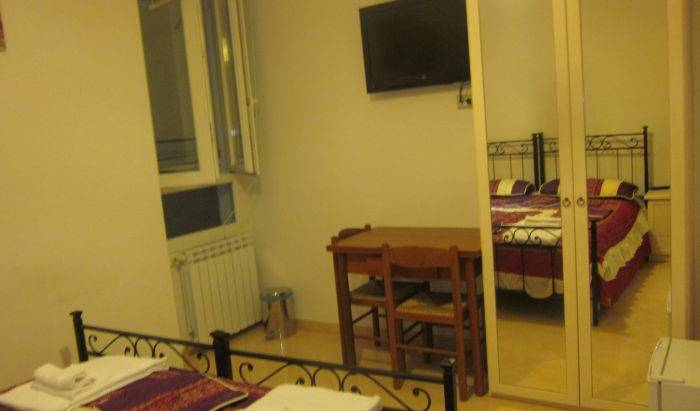 Navigator Roma - Search for free rooms and guaranteed low rates in Rome 32 photos
