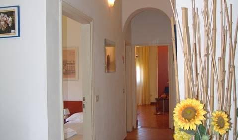Yellow Apartment - Otel ve pansiyon rezervasyonu için uygun oda bulun Firenze 13 fotoğraflar