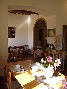 Ecoturismo La Casa Gialla, Siena, Italy, guesthouses and backpackers accommodation in Siena