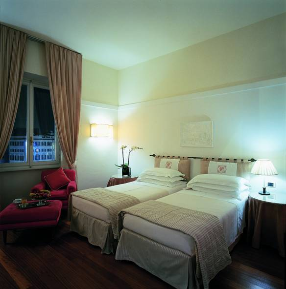 Grand Hotel Minerva, Florence, Italy, female friendly hotels and hostels in Florence