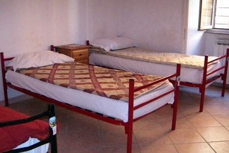 Hostel Alfonso, Rome, Italy, book summer vacations, and have a better experience in Rome