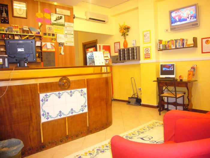 Hostel And Hotel Bella Capri, Napoli, Italy, find beds and accommodation in Napoli
