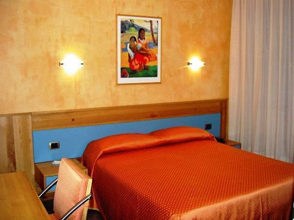 Hotel Diana, Pompei Scavi, Italy, book summer vacations, and have a better experience in Pompei Scavi