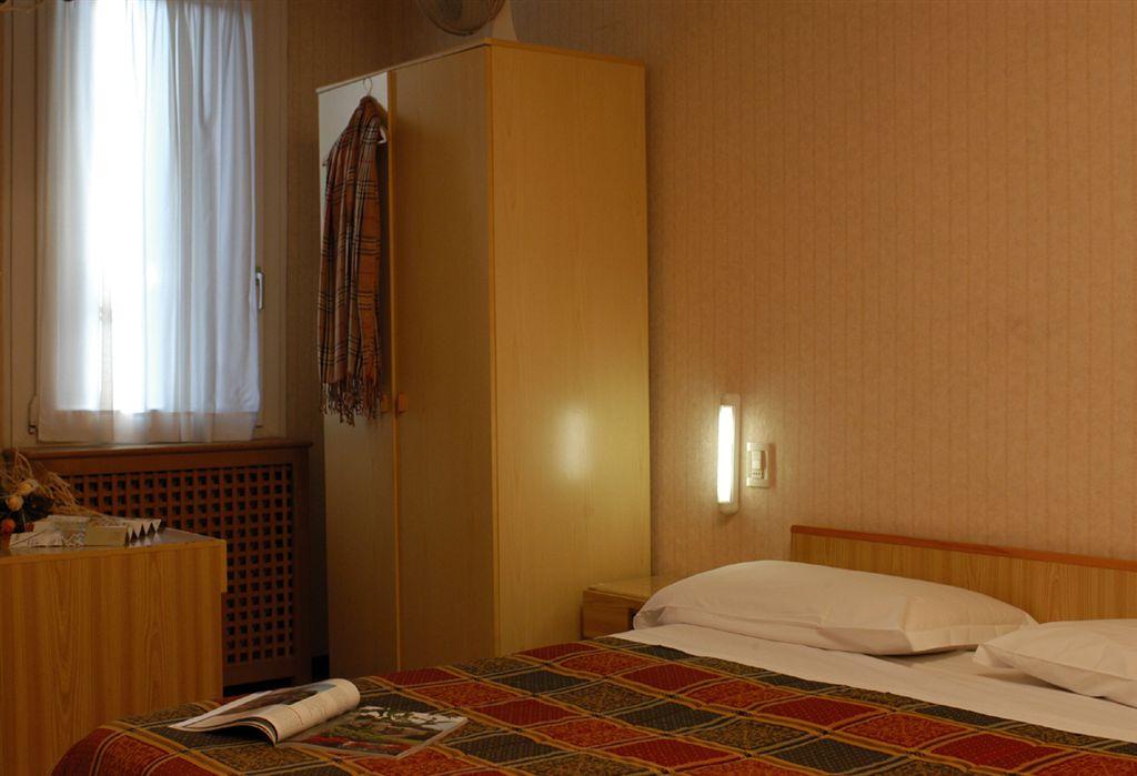 Hotel Giovannina, Venice, Italy, Italy hotels and hostels