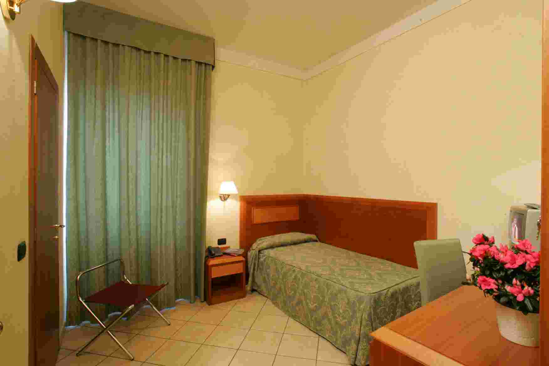 Hotel Mia Cara, Florence, Italy, hotel and hostel world best places to stay in Florence