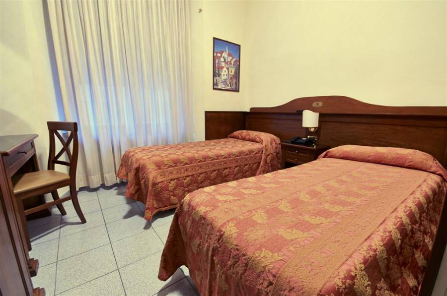 Hotel Pavone, Milan, Italy, Italy hotels and hostels