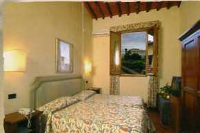 Hotel Relais Il Cestello, Florence, Italy, we offer the best guarantee for low prices in Florence