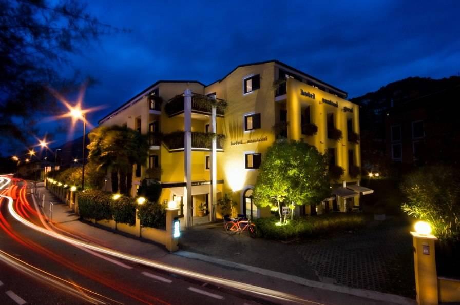 Hotel Santoni, Torbole Sul Garda, Italy, Italy hostels and hotels