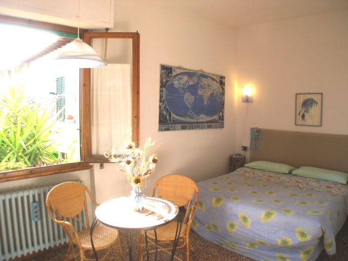 Leonardo's Rooms Bed and Breakfast, Florence, Italy, best ecotels for environment protection and preservation in Florence