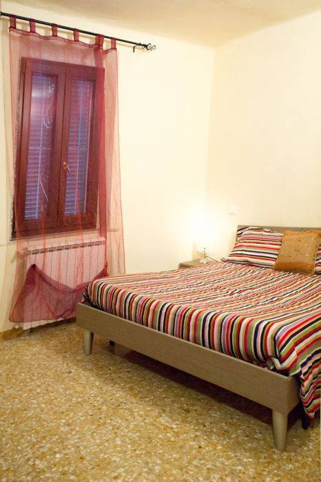 Maison Dei Miracoli, Pisa, Italy, late hotel check in available in Pisa