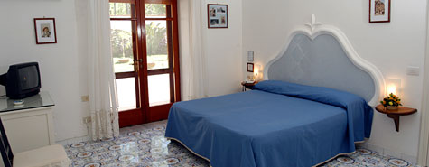 Mediterraneo, Capri, Italy, hotels with kitchens and microwave in Capri