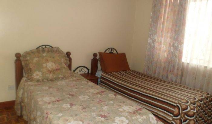 Mkenya Backpackers - Search for free rooms and guaranteed low rates in Nairobi Hill 5 photos
