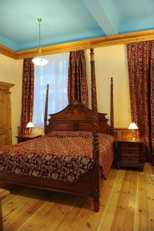 Man-tess Boutique Hotel, Riga, Latvia, find cheap hostel deals and discounts in Riga