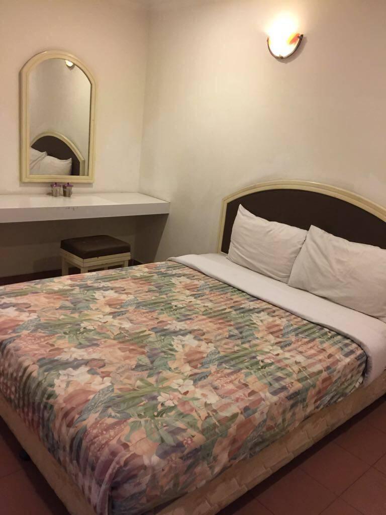 Grande Hotel, Melaka, Malaysia, backpackers and backpacking hotels in Melaka