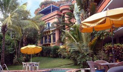 Hostel Experiencia Cuernavaca - Search available rooms for hotel and hostel reservations in Cuernavaca 5 photos