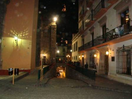 Hostel Guanajuato, Guanajuato, Mexico, we guarantee the lowest price for your hotel in Guanajuato