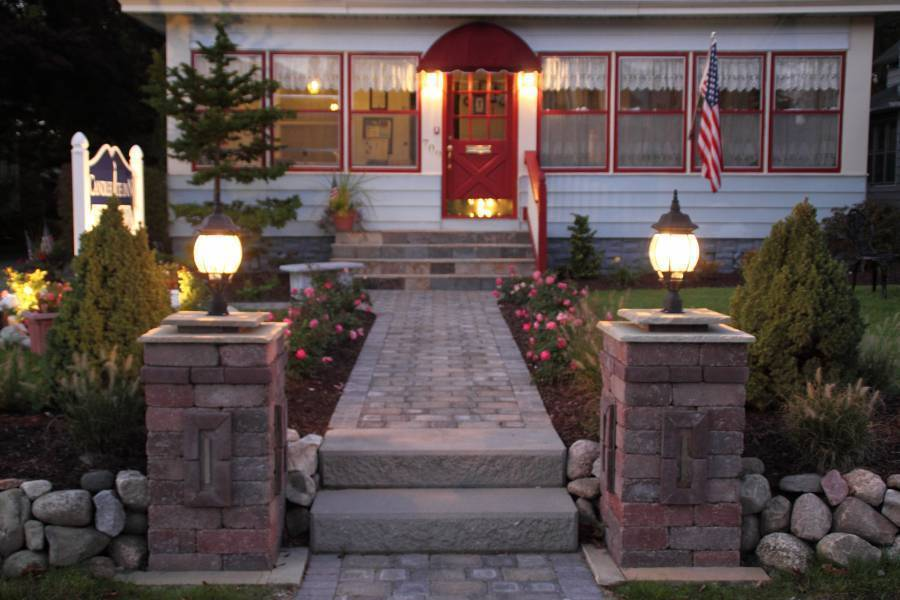 Candlelite Inn Bed and Breakfast, Ludington, Michigan, Michigan hotels and hostels