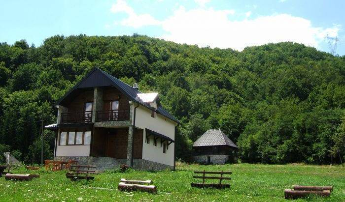 Villa Drijenak - Search available rooms and beds for hostel and hotel reservations in Kolasin 5 photos
