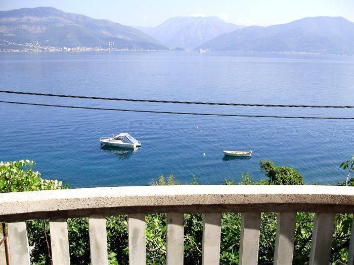 Spinaker Apartments, Krasici, Montenegro, rural hostels and backpackers in Krasici