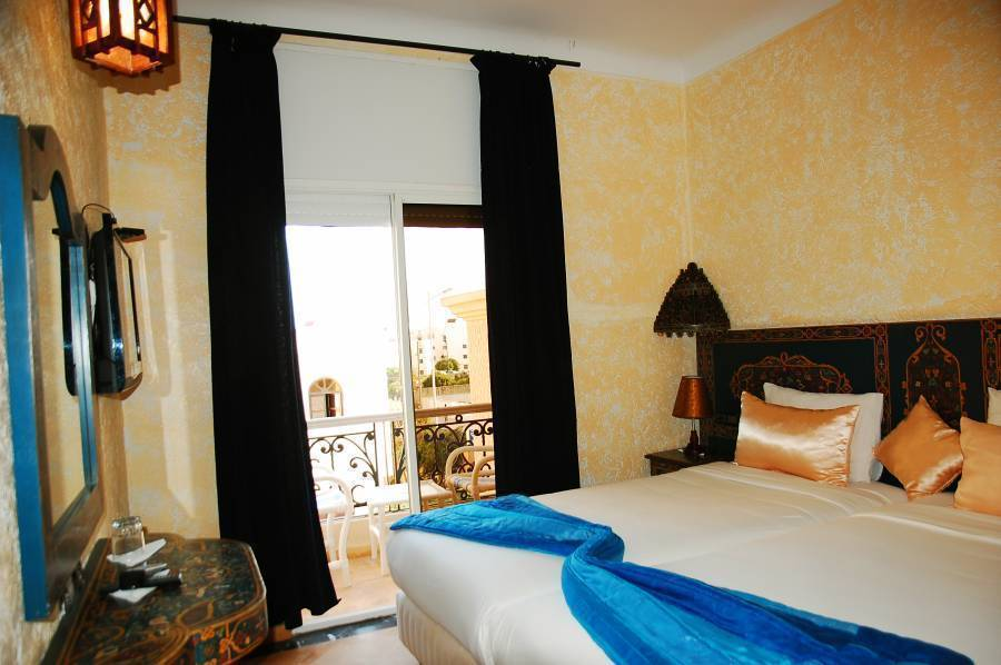 Al Jasira Hotel, Essaouira, Morocco, how to select a hotel and where to eat in Essaouira