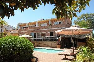 Hotel Pension Uhland, Windhoek, Namibia, find adventures nearby or in faraway places, book your hotel now in Windhoek
