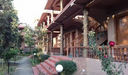 Safari Club Chitwan - Search for free rooms and guaranteed low rates in Bhadrapur, best hostels for cuisine 3 photos