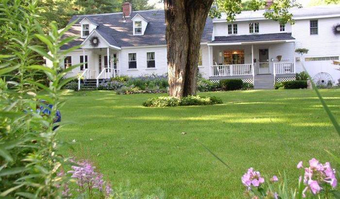 Buttonwood Inn on Mount Surprise - Search for free rooms and guaranteed low rates in North Conway 16 photos