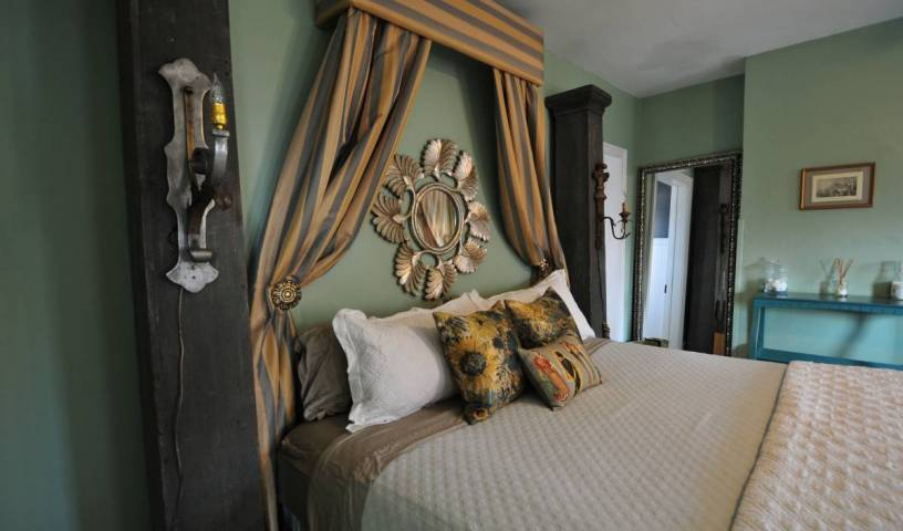 Bohemian Inn - Get low hotel rates and check availability in Saugerties South, cheap hotels 2 photos