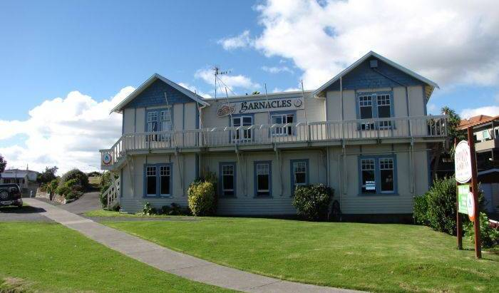 Barnacles Seaside Inn - Search available rooms for hotel and hostel reservations in Wellington 1 photo