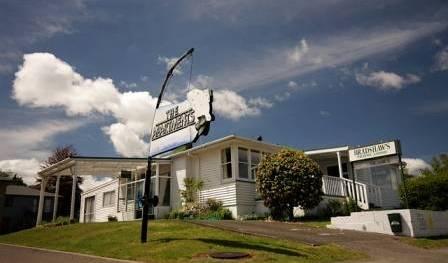 Bradshaws Travel Lodge - Günstige preise erhalten und verfügbarkeit prüfen in Taupo, Ferien Reservierungen 13 Fotos