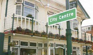 Croydon House B and B Hotel - Get low hotel rates and check availability in Christchurch, how to choose a booking site, compare guarantees and prices 8 photos