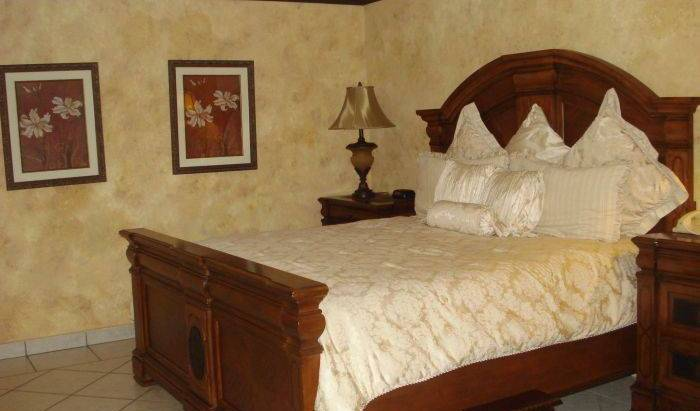 Seminole Plaza Hotel - Search available rooms for hotel and hostel reservations in Managua 12 photos