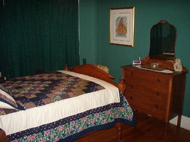 Heritage House 1914 Bed And Breakfast, Hamilton, Ontario, find things to see near me in Hamilton